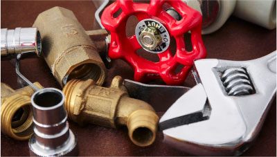Pipe fittings and wrench